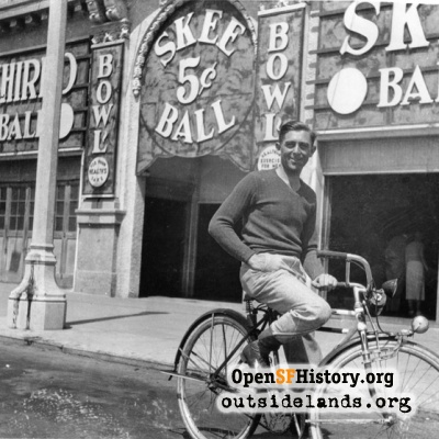 Leonard Mendoza in front of the Skeeball parlor.